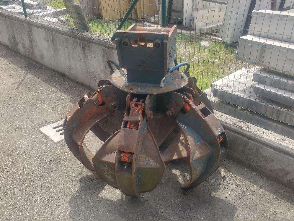 Polipo idraulico usato