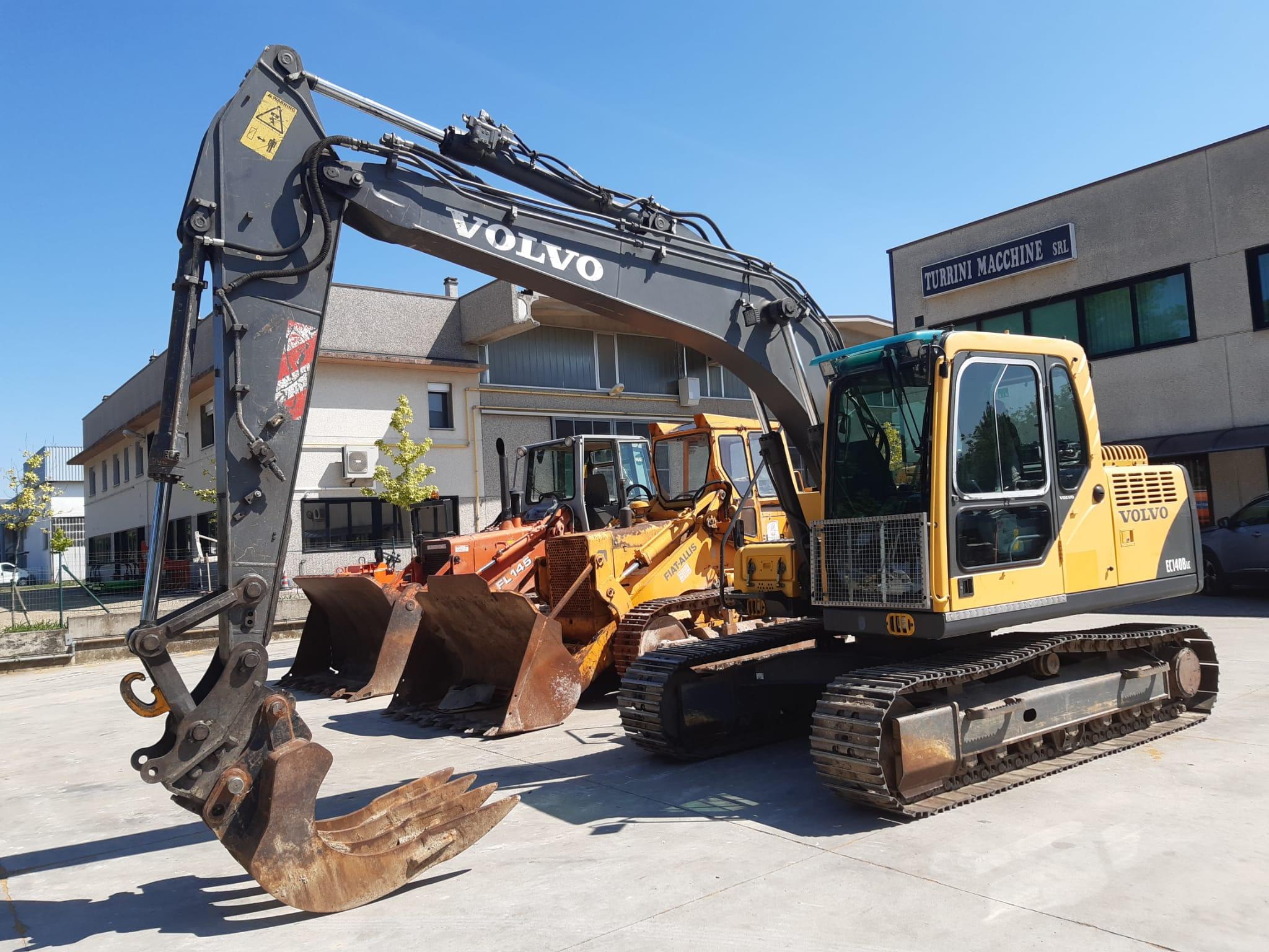 Escavatore cingolato VOLVO EC140BLC